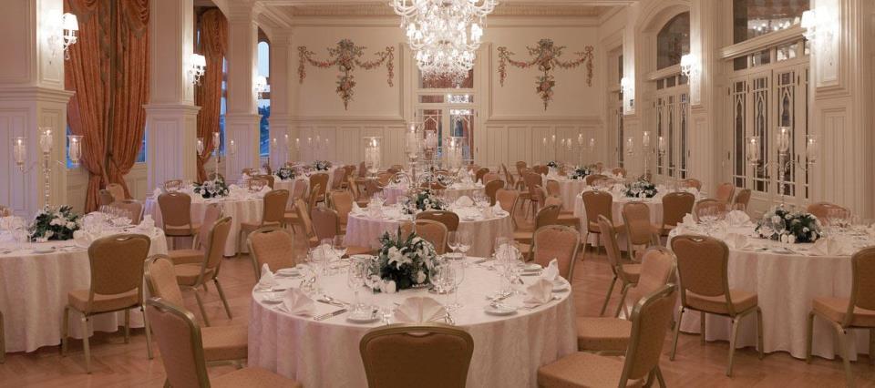 Pera Palace Jumeirah - Istanbul - Restaurant  (1).jpg