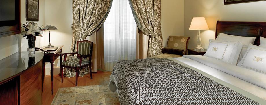 Pera Palace Jumeirah - Istanbul - Room (5).jpg