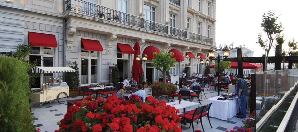 Pera Palace Jumeirah - Istanbul - Terrace .jpg