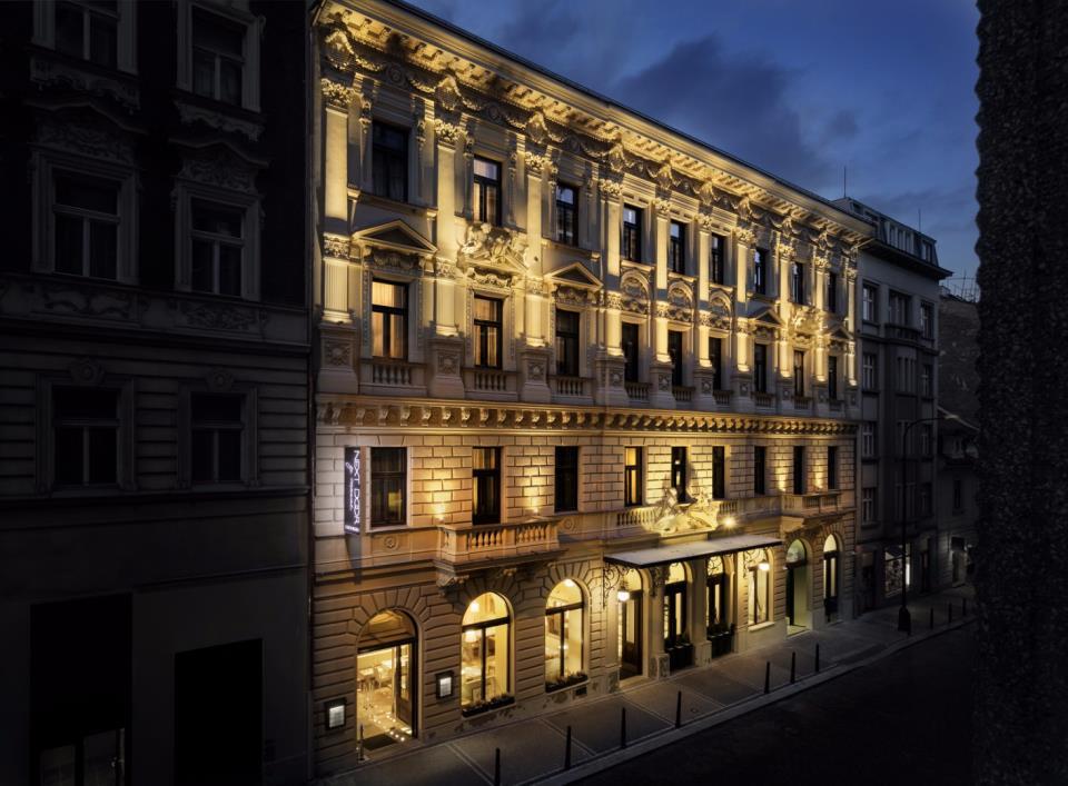 Cosmopolitan Hotel - Prague - Facade.jpg