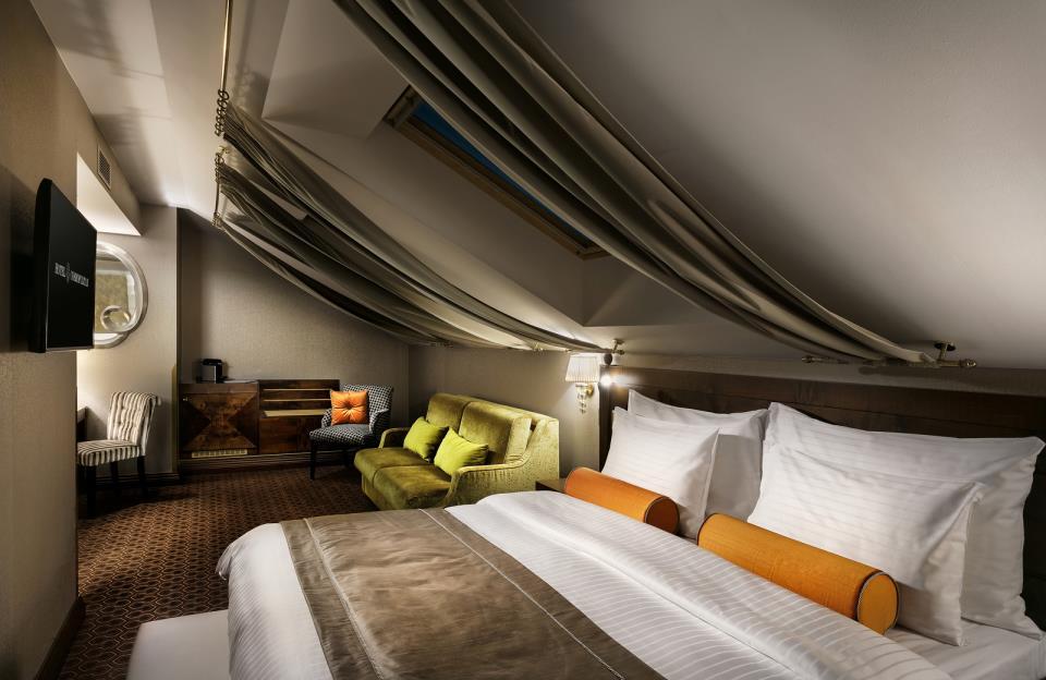 Cosmopolitan Hotel - Prague - Room  (6).jpg