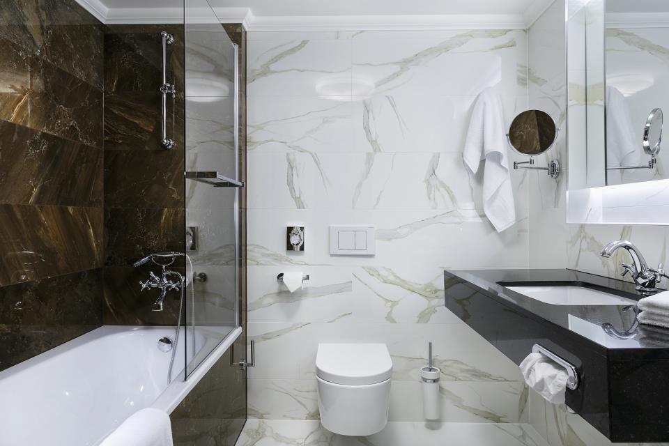 Cosmopolitan Hotel - Prague - Room  (7).jpg