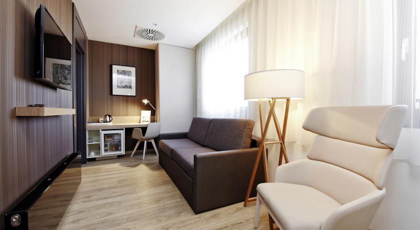 Barcelo Praha - Prague - Room (5).jpg