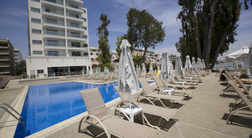 Harmony Bay Hotel  - Limassol - Pool (1).jpg