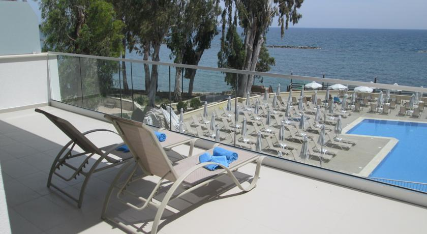 Harmony Bay Hotel  - Limassol - Pool (2).jpg