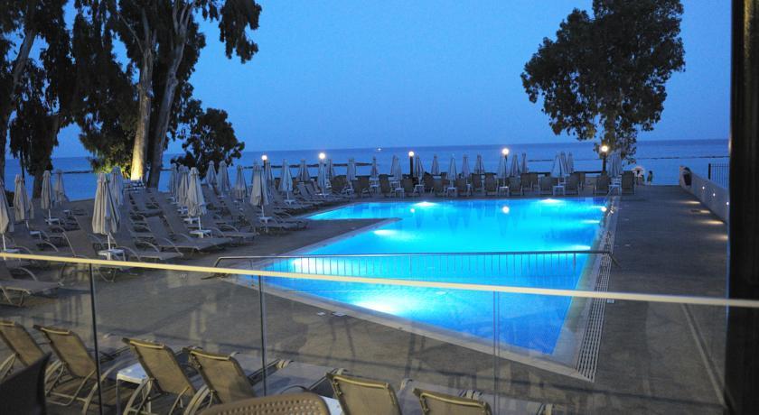 Harmony Bay Hotel  - Limassol - Pool (3).jpg
