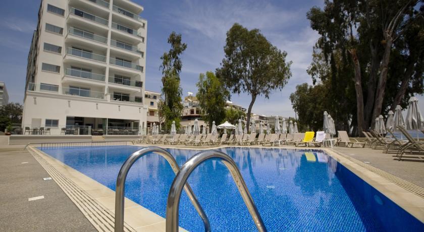 Harmony Bay Hotel  - Limassol - Pool (4).jpg