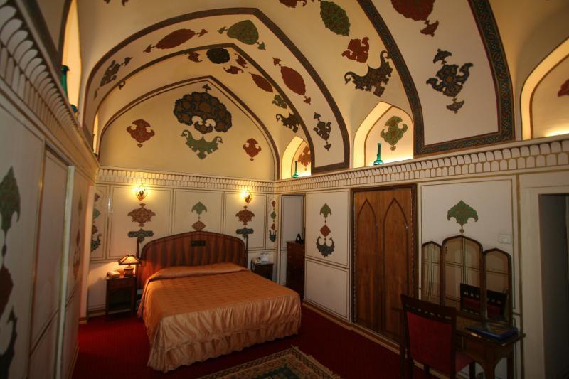 Abbasi Hotel - Isfahan - Room (3).jpg