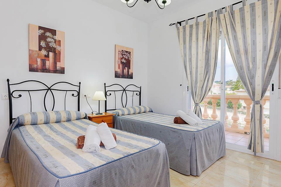 Villa Adoracion 13 C