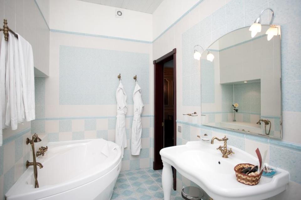 Marco Polo Hotel - St. Petersburg - Room  (2).jpg