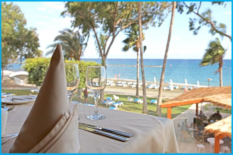 Poseidonia Beach Hotel - Limassol - Restaurant (1).jpg
