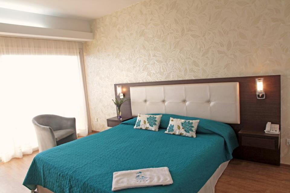 Poseidonia Beach Hotel - Limassol - Room (2).jpg