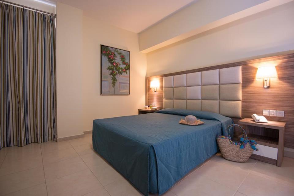 Stamatia Hotel - Ayia Napa - Rooom (3).jpg
