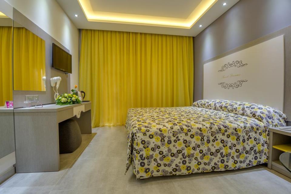Stamatia Hotel - Ayia Napa - Rooom (4).jpg