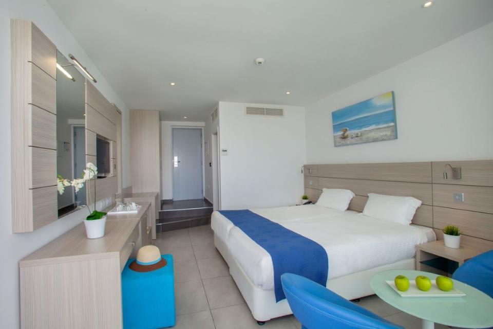 Limanaki Beach Hotel - Ayia Napa - Room (5).jpg