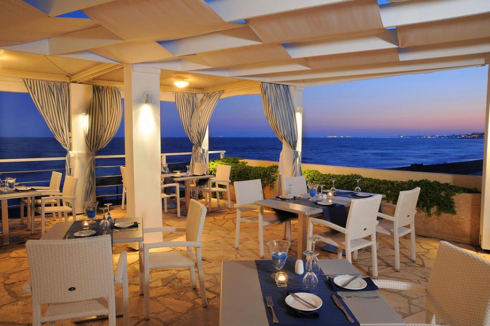 Elias Beach Hotel - Limassol - Restaurant (1).jpg