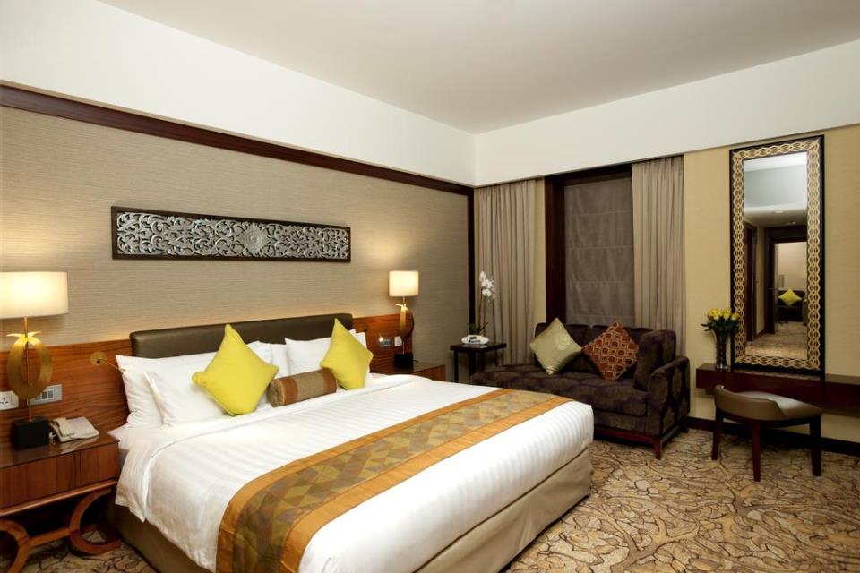 Dusit Thani - Dubai - Room (1).jpg