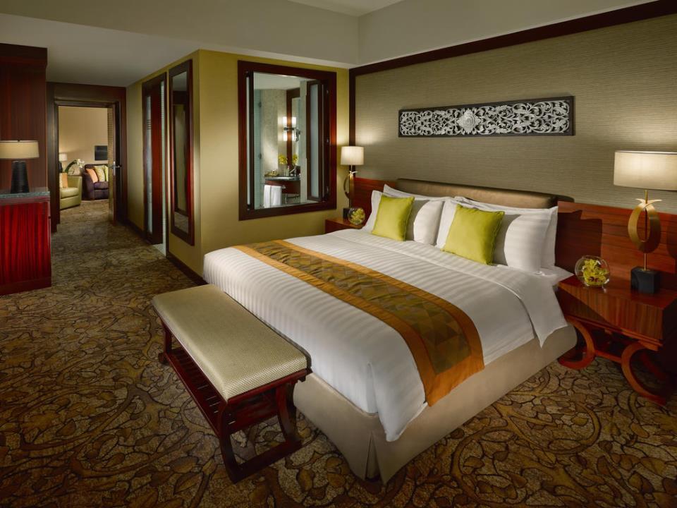 Dusit Thani - Dubai - Room (2).jpg