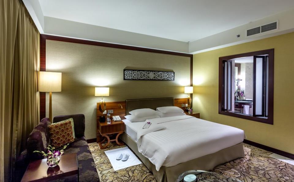 Dusit Thani - Dubai - Room (6).jpg