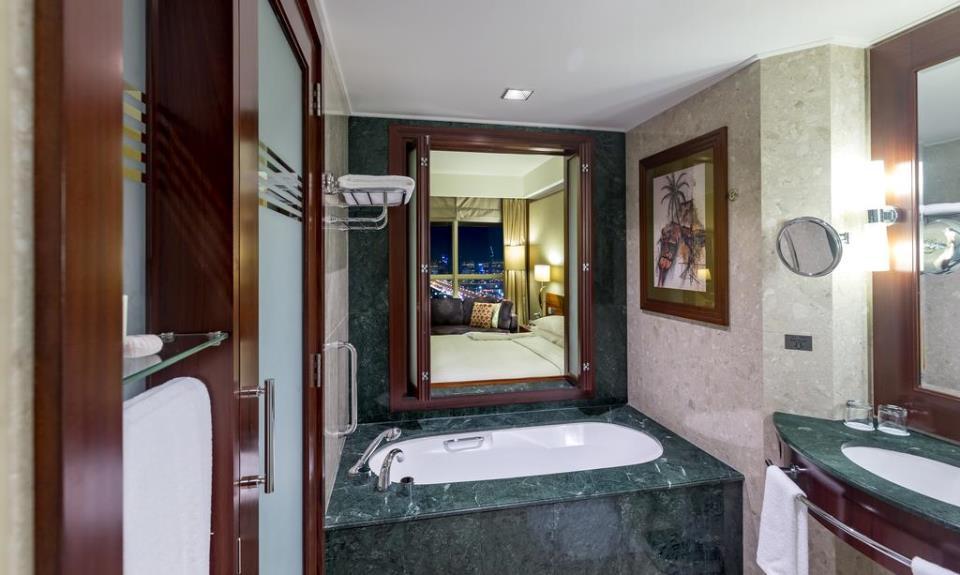 Dusit Thani - Dubai - Room (7).jpg