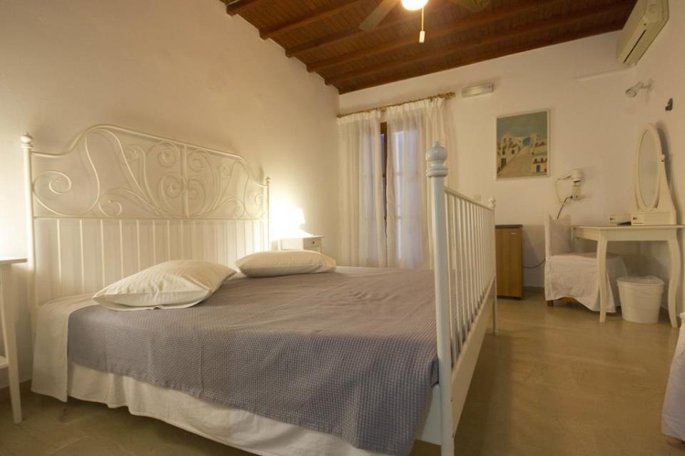 Anastasios Sevasti Hotel - Mykonos - Room (1).jpg