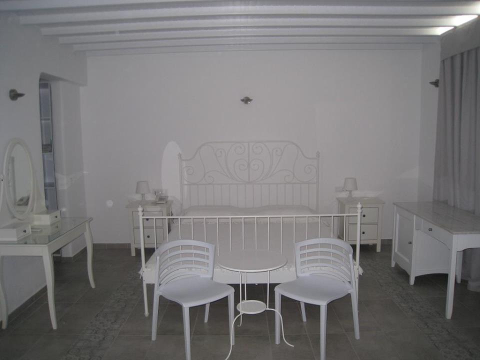 Anastasios Sevasti Hotel - Mykonos - Room (3).jpg