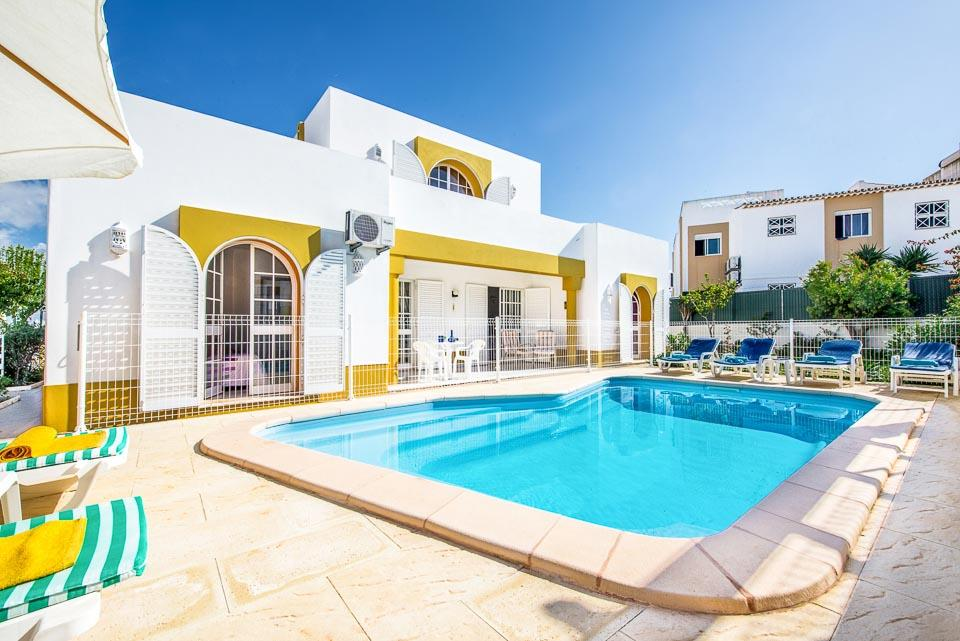 Villa Arines