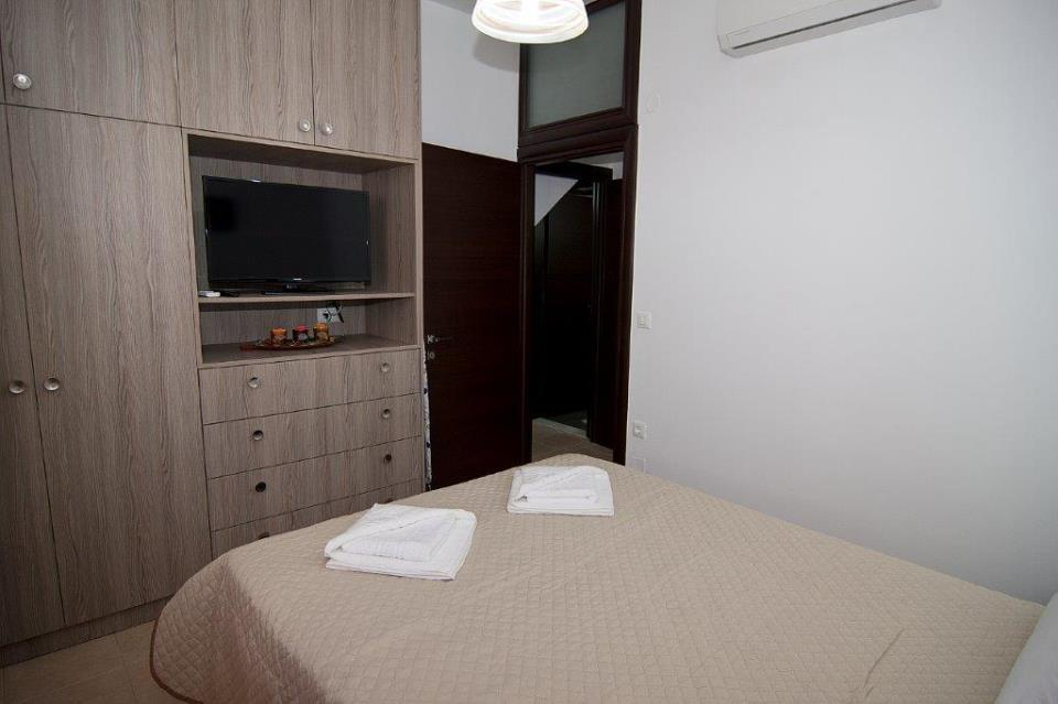 2 Bed Suite 2 double room.jpg
