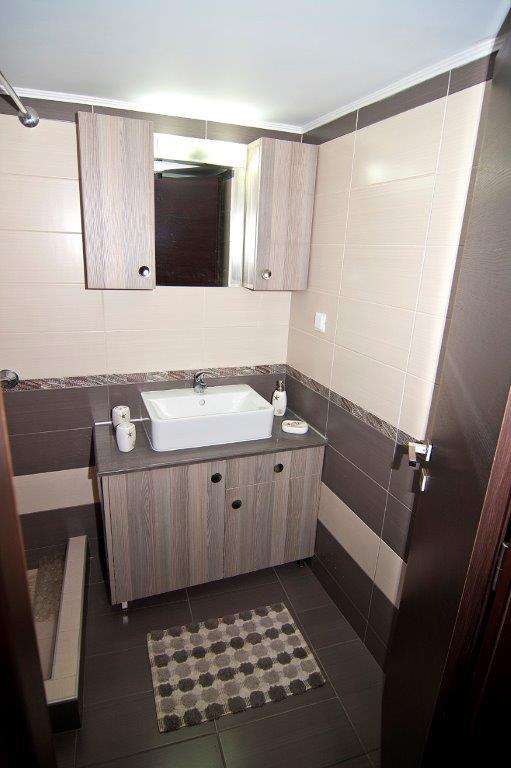Double Suite Sink.jpg