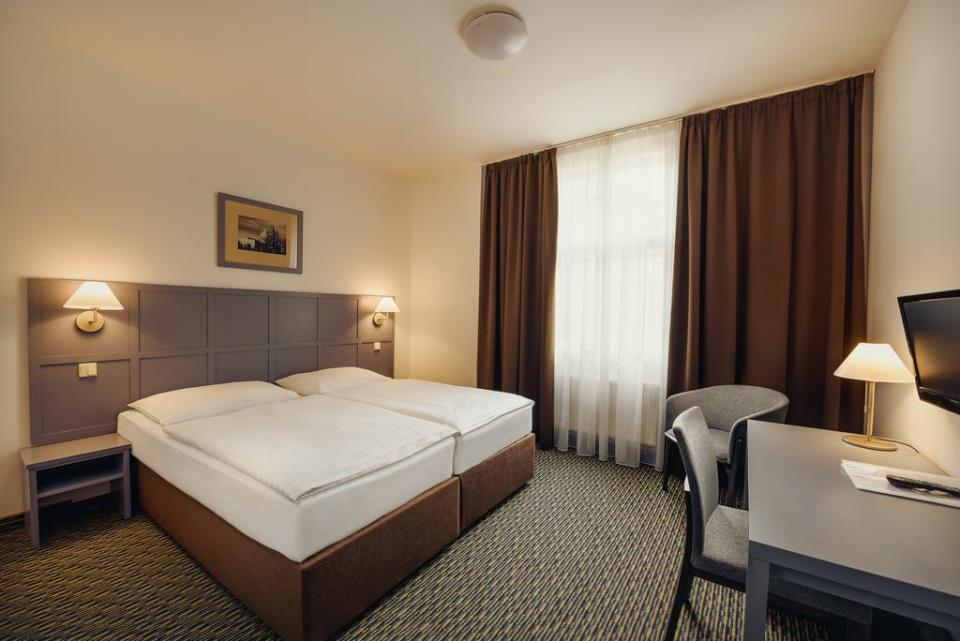 Central Hotel - Prague - Room.jpg