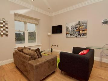 Harrogate Serviced Apartments - One Bedroom Apartment Lounge