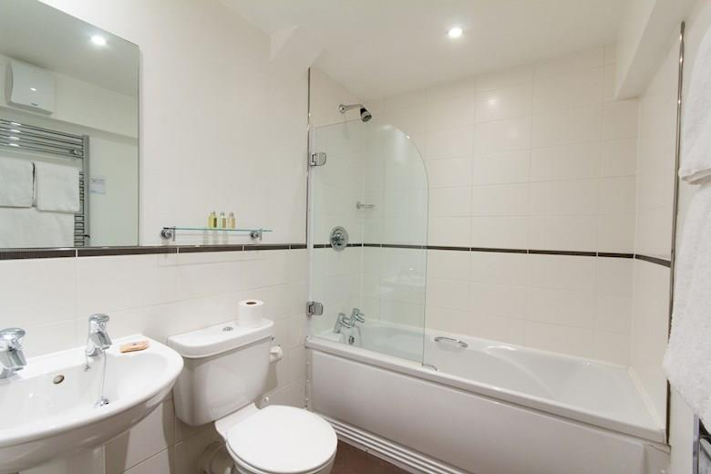 St James Parade - One Bedroom Superior Bathroom