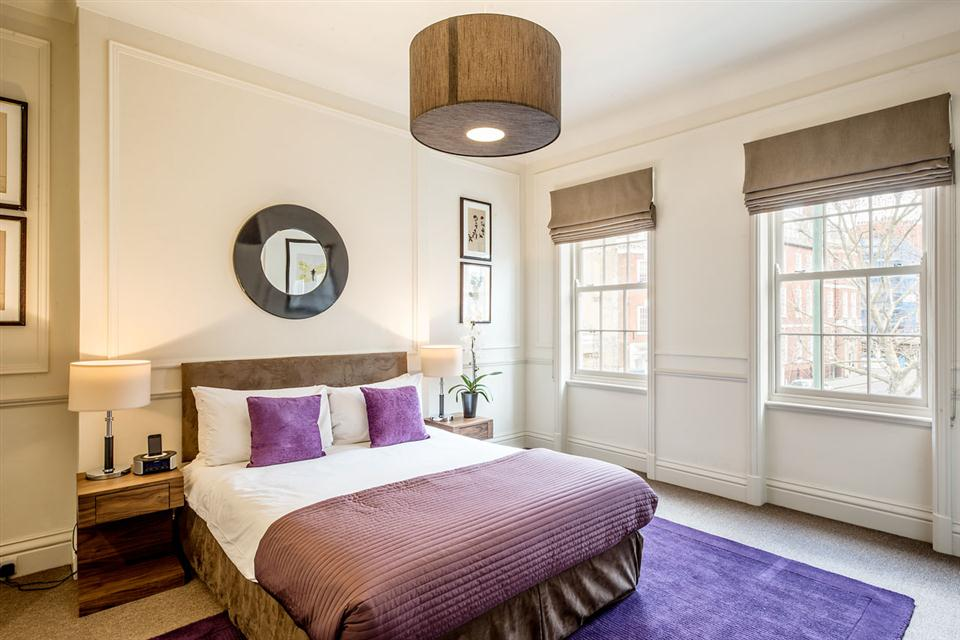 Standard One Bedroom Chelsea - Bedroom