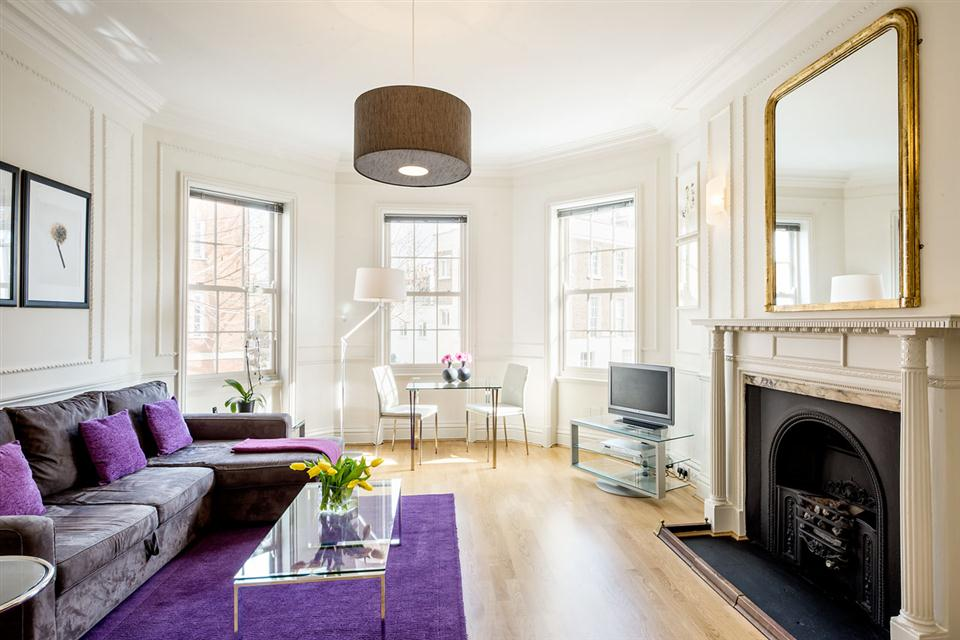 Standard One Bedroom Chelsea - Livingroom