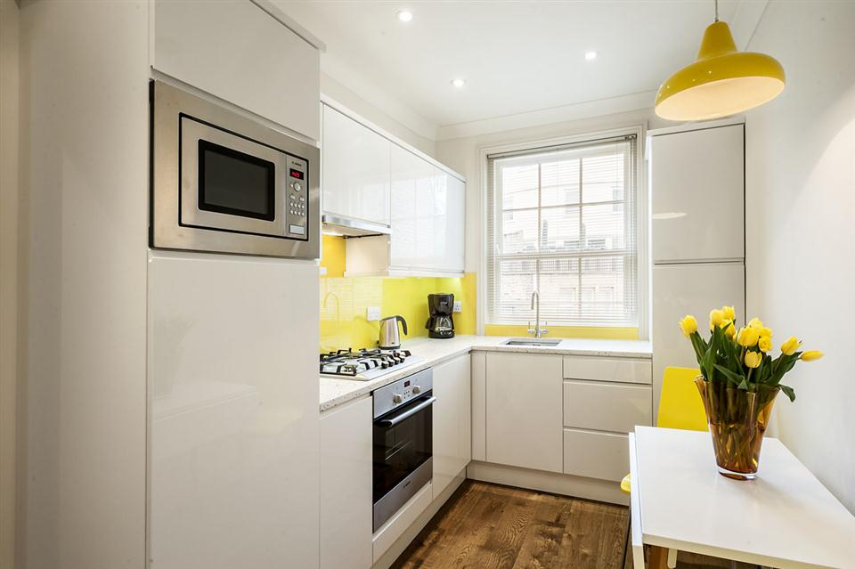 Senior One Bedroom Chelsea - Kitchen