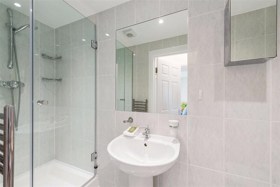 One Bedroom Apartment Marylebone Central - Showerroom