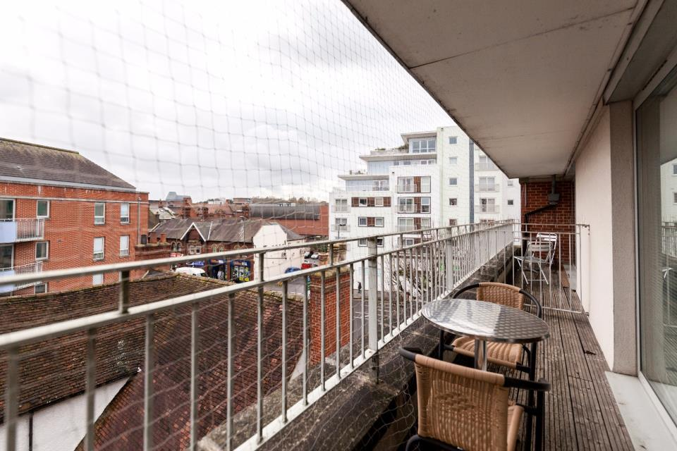 Oaks Square Apartments - Balcony