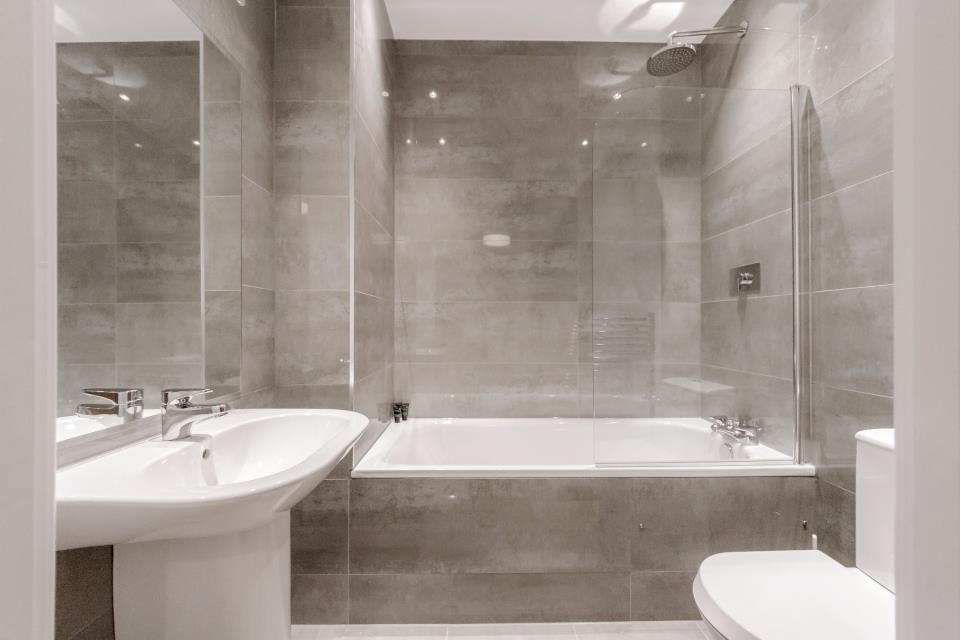 Nouvelle House, Sutton - Bathroom