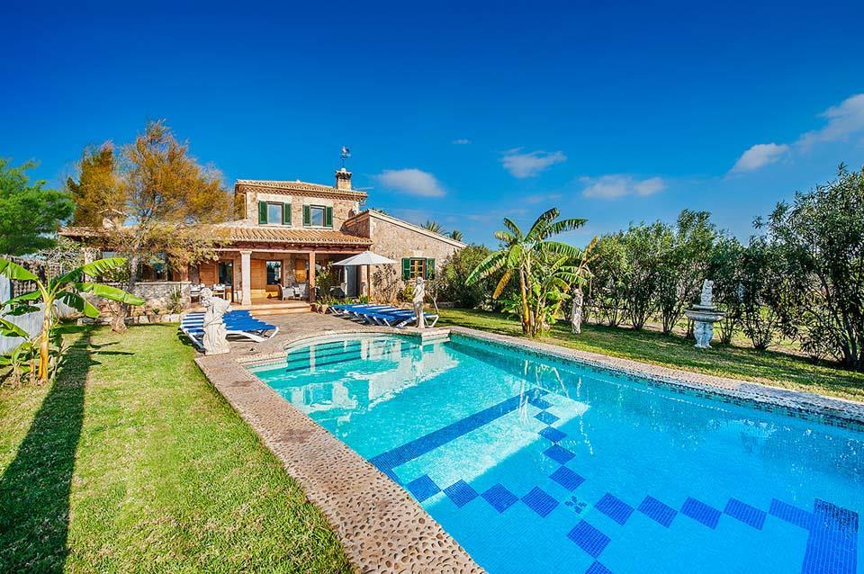 Villa Gonzalez