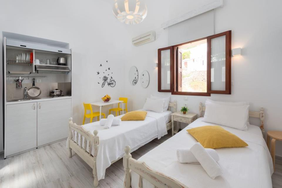 Lindos Diamond Suites - Citrine Twin Studio
