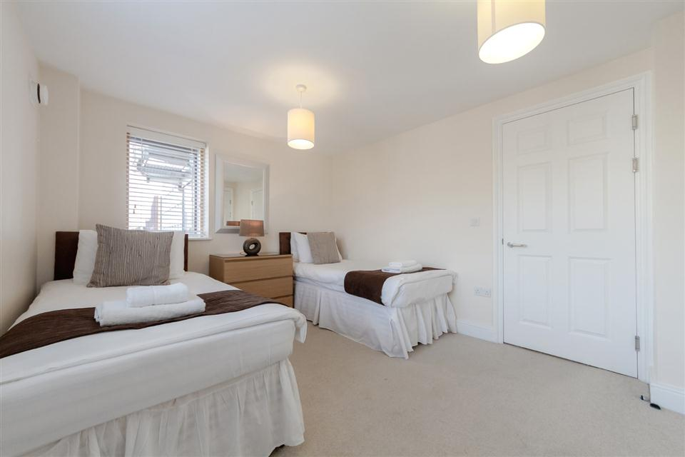Courtyard Apartments Wimbledon-Bedroom
