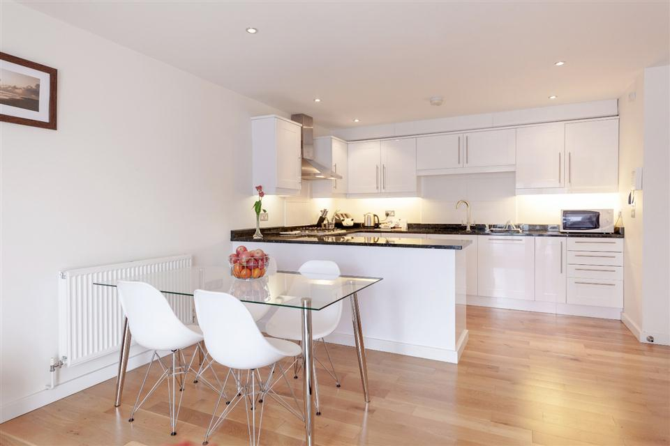 Marquis Court Apartments Epsom-Kitchen Dining