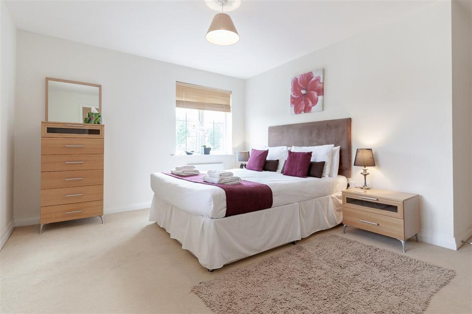 Hillview Apartments Dorking-Bedroom