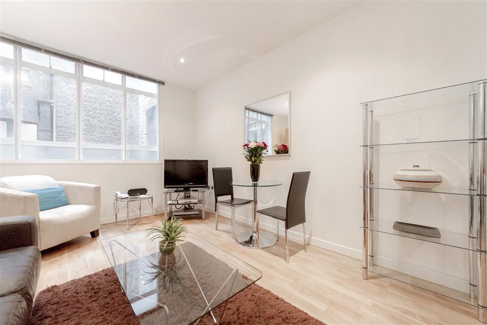 Watling Street London City-Living dining