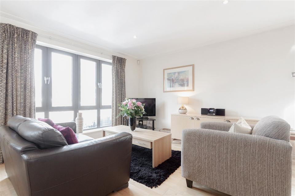 River House Apartments London City-Living room
