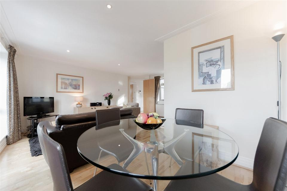 River House Apartments London City-Living Dining