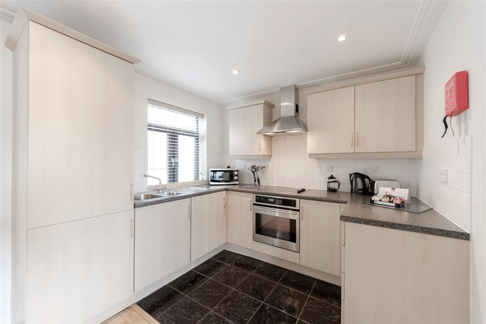 River House Apartments London City-Kitchen