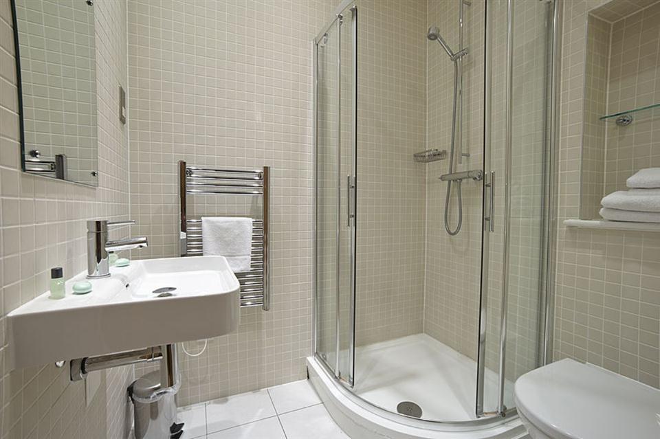 Malting Residence-Showerroom