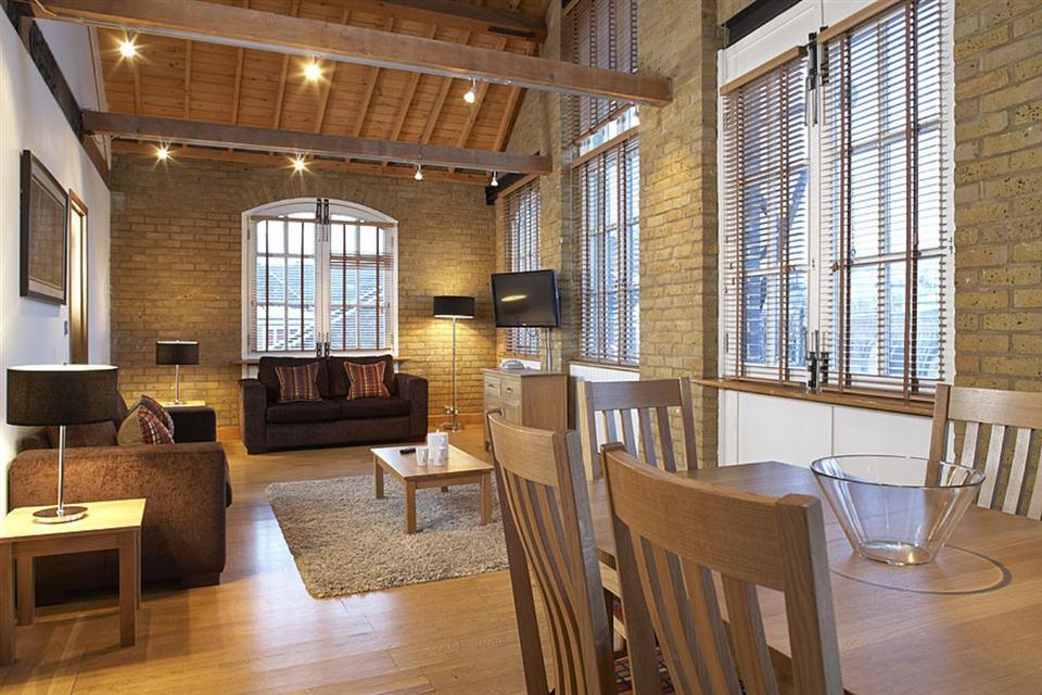 Malting Residence-Living Dining