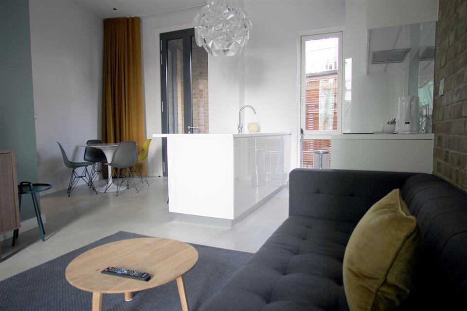 Hop Art Apartments-Living